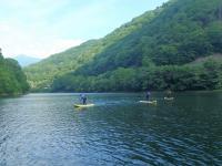 春は開放感あふれる洞元湖で開催。