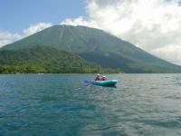 四季折々の景色、雄大な男体山の眺め、青く澄みきった湖水は格別の世界です。