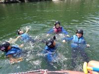 途中、水掛したり落としたり飛び込んだりして満喫