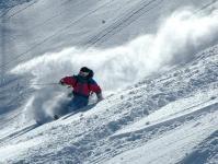 高鷲の雪はとっても軽い!思いっきりスプレーをあげよう!