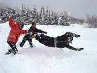 フカフカの雪に出会えたら思い切って飛び込んでみよう!親切なスタッフがお手伝いいたします!?