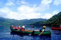 素晴らしい景色を眺めながらカヌーツーリング