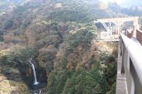 鮮やかな自然で多くの人を楽しませてきた須津渓谷でのジャンプは格別!