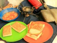 ランチはホットサンドとスープ
