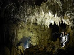 西表島ケイビング(洞窟探検)ツアー