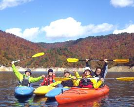 秋は紅葉の山々に囲まれて、大自然を満喫できますよ!!!