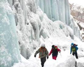 【雲竜渓谷アイスワールドツアー】今話題の雲竜渓谷をスノートレッキング。2015年初めの感動を!