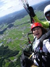 パラグライダーの醍醐味を味わえるタンデムフライト!空中散歩が楽しめます。