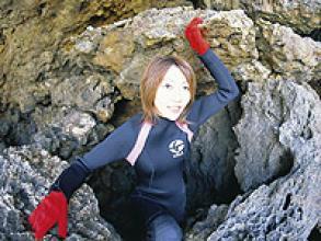《青の洞窟》 探検シュノーケリング