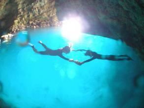 【安心のビーチエントリー・神秘の世界に包まれよう!】青の洞窟シュノーケルコース ◆写真つき!