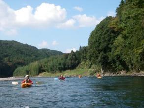 昔ながらの自然の趣を残す那珂川!時にはパドルを休めて、原風景を眺めてみましょう