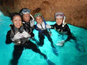 【沖縄マリンアクティビティのメッカでシュノーケリング!】青の洞窟シュノーケリングの冒険