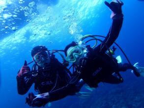 【ボートで青の洞窟へ!貸切・オーダーメイドで楽しむクレアのおもてなしダイビング!】青の洞窟 体験ダイビング ◆写真つき