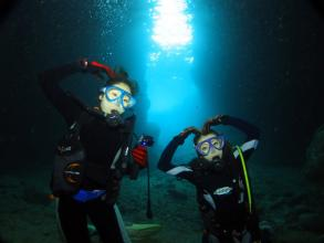 【完全少人数制!お得な人数割引あり♪】ボートで行く青の洞窟体験ダイビング◆写真つき