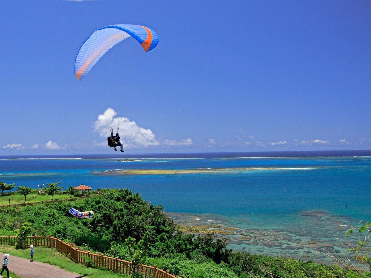 沖縄本島(知念岬) パラグライダー