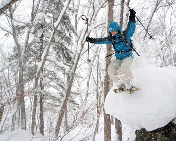 パウダーがあれば、ダイブ!斜面あれば駆け下りる!マッシュあれば飛ぶ!雪遊びを満喫!