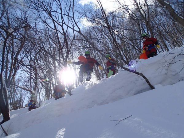ジャンプ台から深雪の中へダイブ!