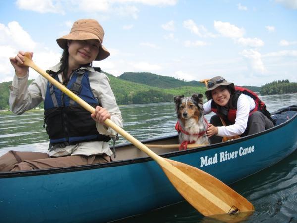 青木湖の自然をゆったり満喫する《カナディアンカヌー》!半日コースは、3歳〜OK!ワンちゃんと同乗もOK!