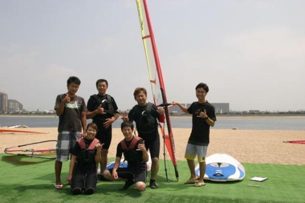アクセス抜群!甲子園浜でウインドサーフィンを満喫!波、うねりもなく初心者も安全に楽しめるエリアです!