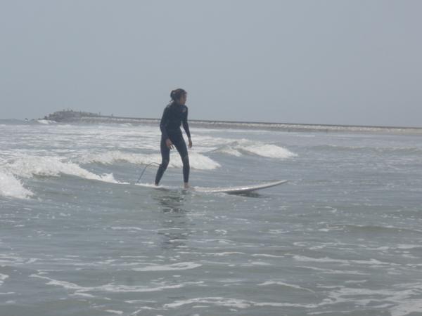 ほとんどの方が、1日で立つことができ、サーフィンの楽しみを実感していただけています。