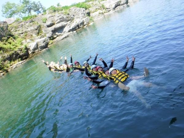 長瀞は川で泳げるのも魅力のひとつ