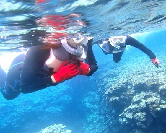 たくさんの熱帯魚が生息するインリーフ内(遠浅)での《シュノーケリング》!