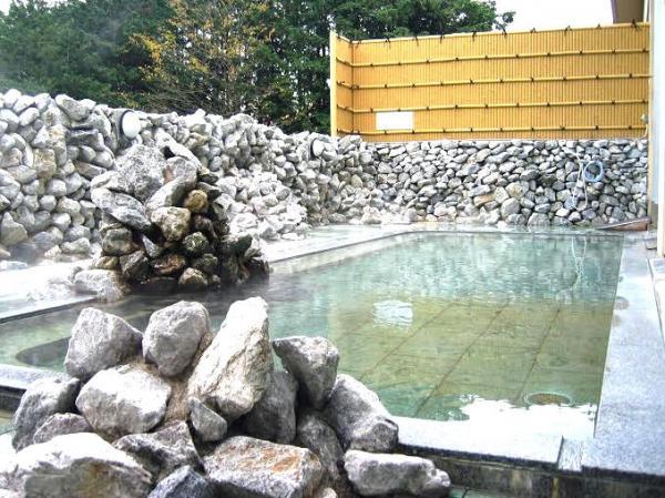 ツアー後は温泉でさっぱり!そとあそび申込者は、温泉に無料でご入浴いただけます。
