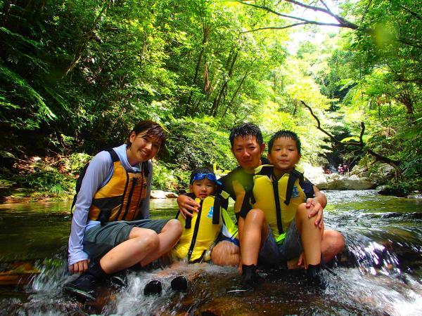 やんばるの美しい川を満喫!ご家族との思い出に!