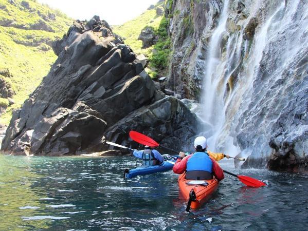 滝へカヤックで近づいてみよう