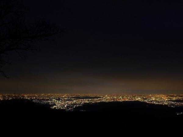 日の出山から眺める都心の夜景