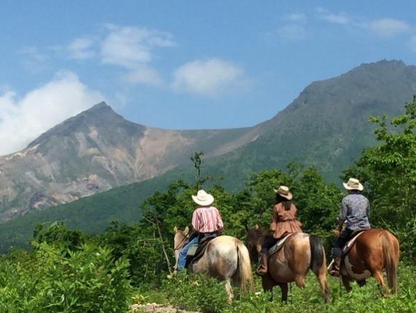 函館(駒ヶ岳山麓)ホーストレッキング(乗馬)