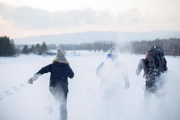 スノーシューで雪原を進もう