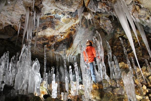 大滝氷筍洞窟 スノーシューツアー