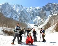 日本3大岩場のひとつ、一の倉沢の雪壁を見られるのは『絶景の大岩壁一の倉沢を望む』1dayコース。