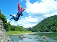 岩からの飛び込みにもチャレンジ!気分爽快です!