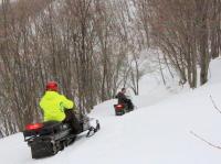 自然の中のスノーモービル専用コース!爽快に駆け抜けよう!