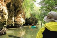 雰囲気のある洞窟!