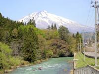 春は岩木山の残雪がとってもきれい!