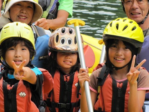 専用ボートは、安定感抜群!小さなお子様も安心してお楽しみいただけます。
