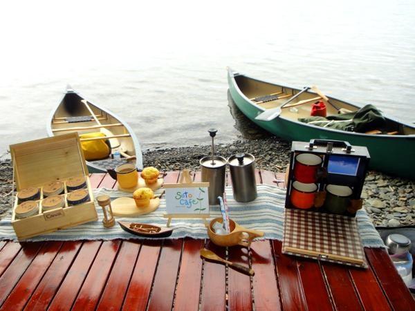 SotoCafeカヌーツアーでは、湖畔で手作りのお菓子とドリンクを楽しめます!