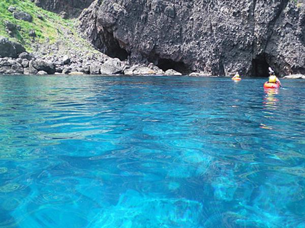 積丹ブルーと言われる、青く透明度の高い海!
