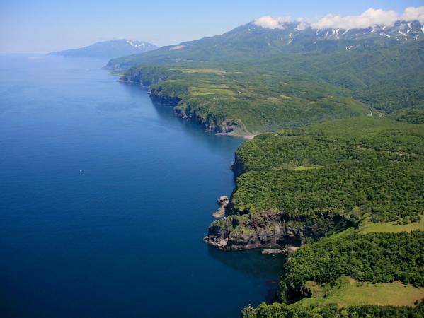 世界自然遺産・知床へ海から入ろう