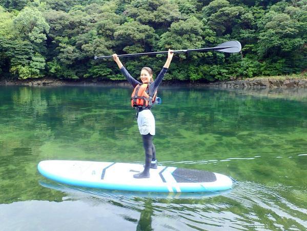 透明度抜群の美しい水!SUPですいすい進めば気分爽快!