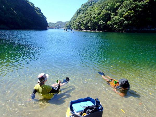 きらきら光る水面を眺めながら、ゆったり屋久島時間を感じよう