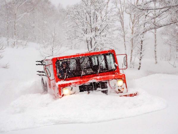 CAT(雪上車)でとっておきのフィールドへ!