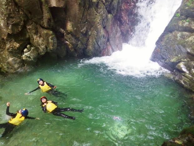 祖谷渓 シャワークライミング