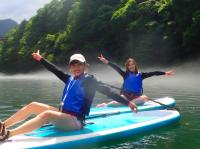 穏やかな湖面でのんびりSUP体験♪