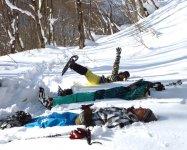 家族みんなで雪にゴロン!天気も良くて最高の景色!良い思い出になりますね!!