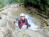 綺麗な川の水を全身に浴びながら、渓谷を体一つで登れば心も体もリフレッシュ!大自然を満喫しよう!