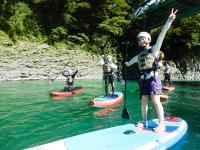 美しい景観が広がる富士川で、SUPの魅力たっぷりのツアーを楽しもう!